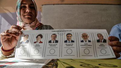 """""""Drei Tote für eine Stimme"""": Wie die politische Polarisierung in der Türkei eine Familie auseinanderriss"""