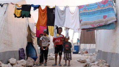Erste Hilfslieferung für syrische Flüchtlinge im Lager Rukban seit zehn Monaten