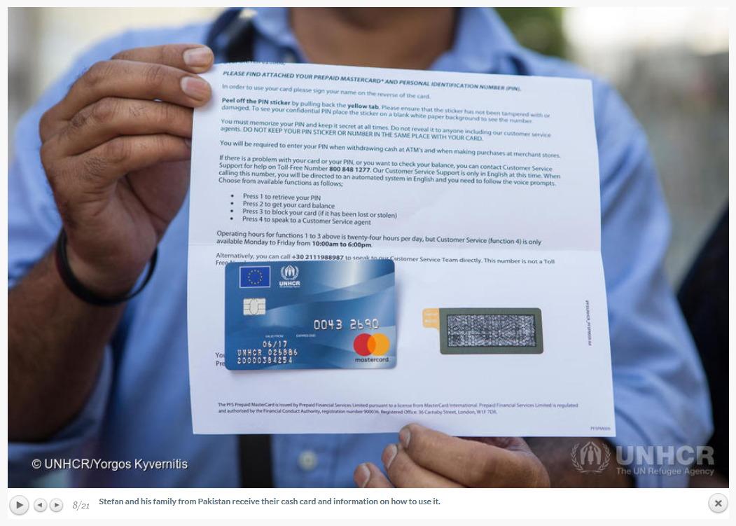 Migranten Verfügen über Namenlose Mastercards Mit Eu Und Unhcr Logo