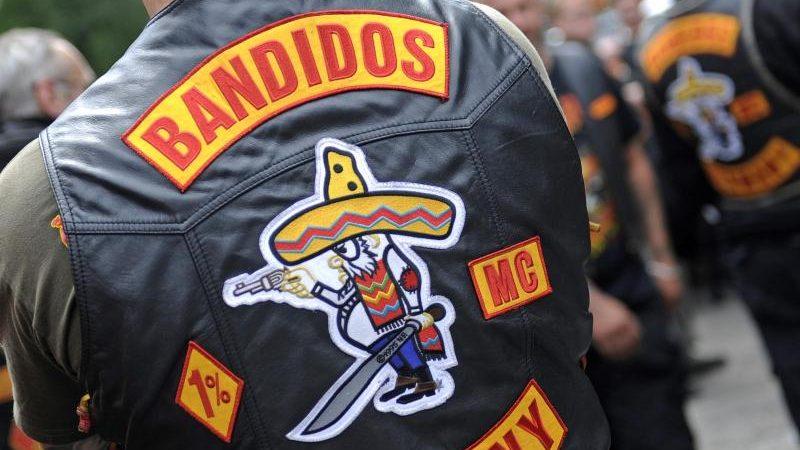 """Fast 1.800 Polizeibeamte bei Razzien gegen Rockerverein """"Bandidos"""" im Einsatz"""