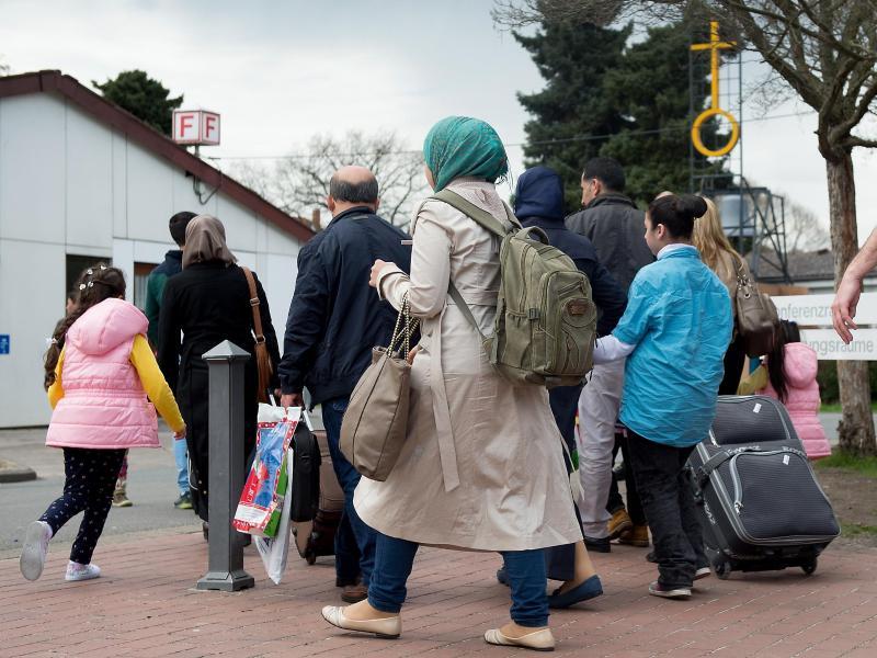 Asylbewerberzahl steigt so gering wie 2011 – 243.000 Personen ohne Schutzstatus in Deutschland