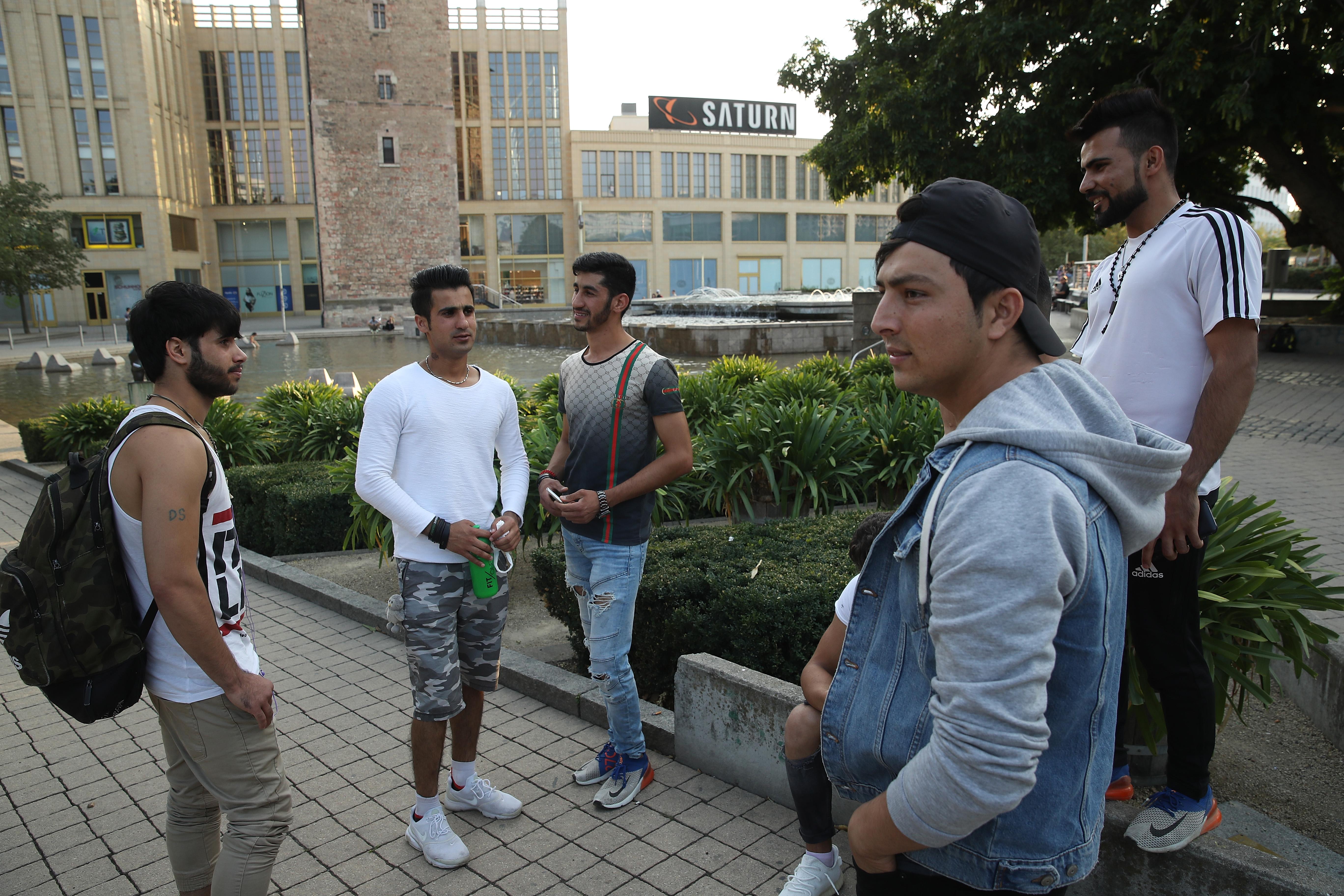 Bamf steckt 40 Millionen Euro in Digitalunterricht für Migranten