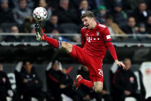 Müller mit vollstem Einsatz. Foto: Simon Hofmann/Bongarts/Getty Images