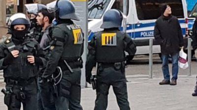 Stuttgart: Anschlag auf AfD-Politiker nach Kundgebung – Polizei ermittelt wegen versuchten Totschlags