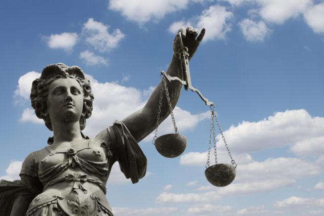 Richter kritisiert Corona-Urteile - Rechtsexperte fordert Aufhebung der epidemischen Lage