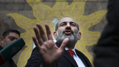 Armeniens Regierungschef ruft seine Kritiker zum Gewaltverzicht auf