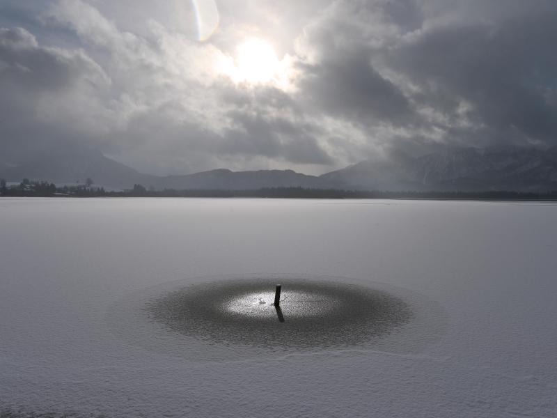Franzose schafft neuen Rekord im Apnoetauchen unter Eis