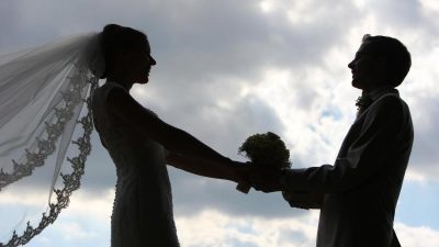 Braut verlor ihren Vater kurz vor der Hochzeit – Bruder tröstete sie auf besondere Art