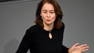 Barley von Kramp Karrenbauer zu Passentzug für Dschihadisten aufgefordet