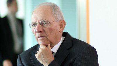 """""""Maßlos traurig"""" über niedrige Impfquote: Schäuble fordert Einschränkungen nur noch für Impf-Unwillige"""