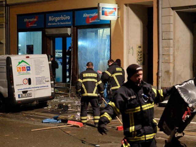 https://www.epochtimes.de/assets/uploads/2019/01/urn-newsml-dpa-com-20090101-190104-99-429069_large_4_3_Einsatzkraefte_arbeiten_in_der_Bahnhofstrasse_nach_einer_Exp-640x480.jpg