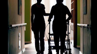 Ist die Pflegeversicherung unterfinanziert?