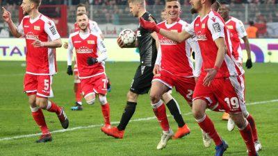 FC Köln verliert Zweitliga-Spitzenspiel in Berlin mit 0:2