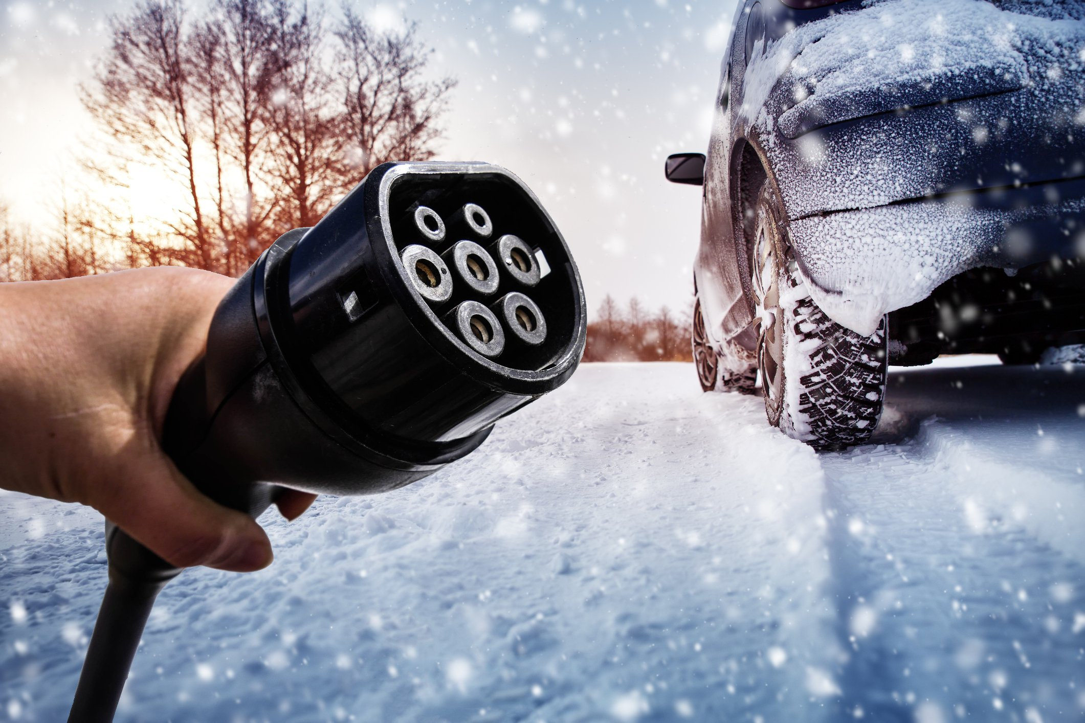 """E-Autos: Im Winter 50 Prozent weniger Reichweite und """"nicht oder nur bedingt alltagstauglich"""""""