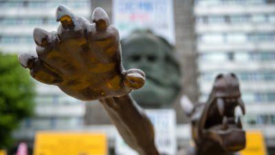 """Flüchtlingshelfer für """"Sieg Heil"""" mit linker Hand verurteilt"""