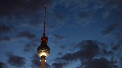 Berliner Ganoven-Trio wollte Polizisten in privat berauben – Beamte mit Messer verletzt – Täter festgenommen