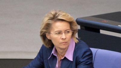 """U-Ausschuss zur Berateraffäre: Von der Leyen als """"Goldmarie""""? – General verteidigt Ministerin"""