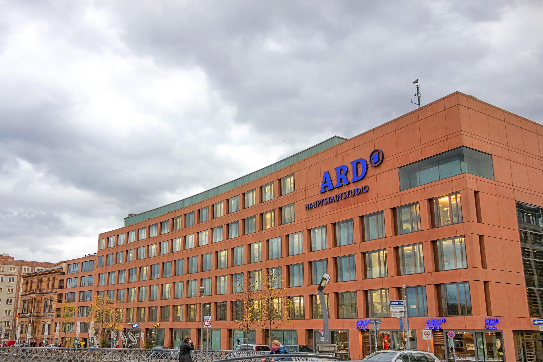 """Vom """"Arbeiterkampf"""" zum NDR: Neuer Linksextremismus-Skandal in der ARD"""
