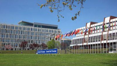 Russland bleibt im Europarat – Sanktionen gelockert