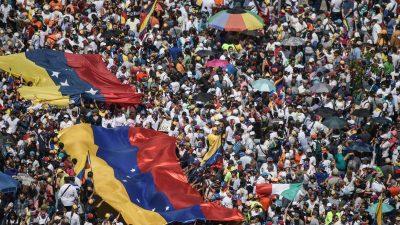 Es wird ein Ausweg aus der venezolanischen Krise gesucht