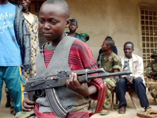 Unicef: Bis zu eine Viertelmillion Kindersoldaten