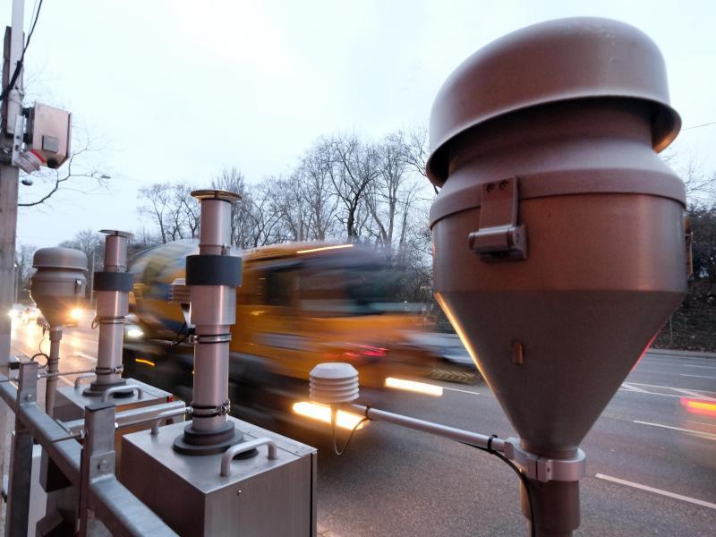 Am Neckartor: Steigende Feinstaub-Werte trotz Ausgangsbeschränkung – Stickoxid gleichbleibend