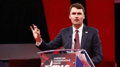 """""""Außen grün Innen rot"""": Größte konservative Versammlung in den USA CPAC warnt vor Aufstieg des Sozialismus"""