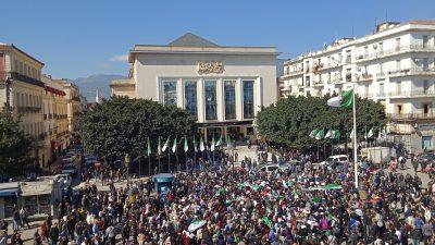 """Proteste gegen die algerische Führung trotz Demonstrationsverbot: """"Bouteflika hau' ab!"""""""
