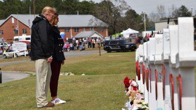 Trump besucht nach Tornados Katastrophengebiet