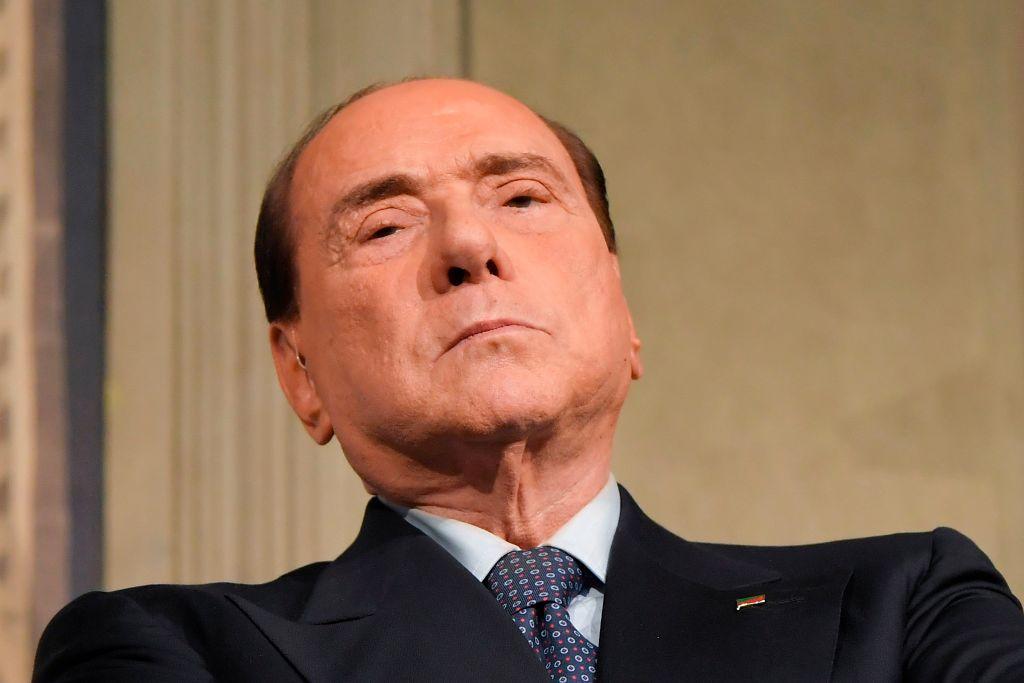 Berlusconi nach Corona-Infektion aus Krankenhaus entlassen