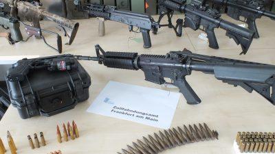 Zoll stellte 2020 knapp 3.000 Waffen und Waffenteile sicher