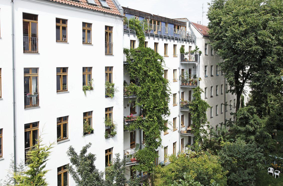 Wohnungsnot in Deutschland? Grünen-Anfrage legt hohen Leerstand bei Bund und Bahn offen