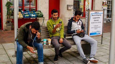 Verbreitung des Internets fördert Migration