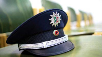 Berliner Grüner will einigen Polizisten die Schusswaffe wegnehmen
