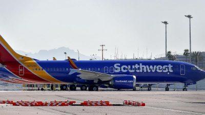 Boeing-Chef Muilenburg wirbt bei Passagieren um Vertrauen