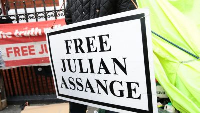 Assanges Vater fordert Rückführung seines Sohnes nach Australien