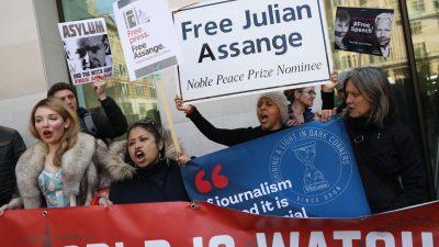 Vater von Wikileaks-Gründer Assange bittet Merkel um Hilfe