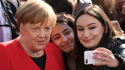 """Kanzlerin auf Stippvisite in Berliner Schule: """"Es ist wichtig, dass ihr uns Dampf macht"""""""