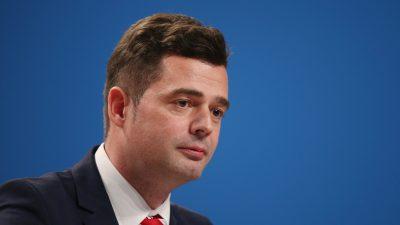 """Mohring nennt Spekulationen über Merkels Zukunft """"unangemessen"""""""