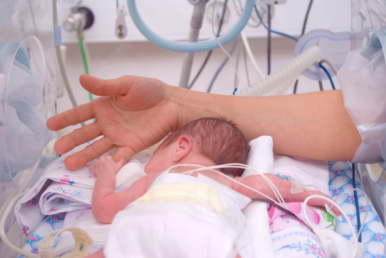 Medizinische Sensation in Köln – Zwillinge kommen 3 Monate nacheinander zur Welt
