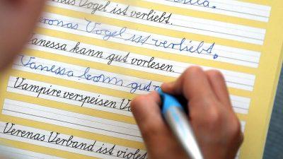 Digitalisierung ist schlecht für die Bildung – Norwegische Hirnforscher belegen positive Effekte von Schreiben mit der Hand