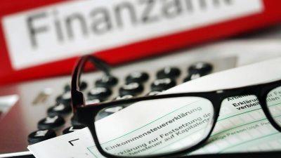 Ab 1. Mai: Es gibt neue 100- und 200-Euro-Scheine – Frist für Steuererklärung wird verlängert