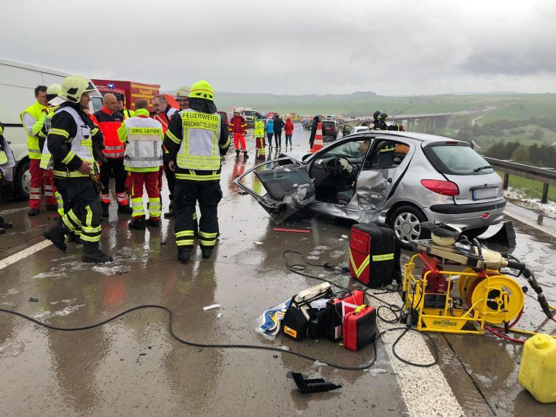 15 Verletzte nach Massenkarambolage auf Autobahn in Hessen