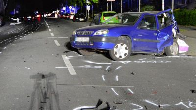 Nach tödlichem Autorennen in Moers: Gesuchter 21-Jähriger stellt sich der Polizei