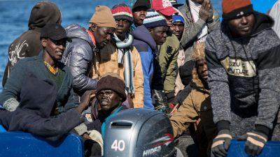 Mittelmeer: Italienische NGO nimmt 67 Migranten vor Insel Lampedusa auf
