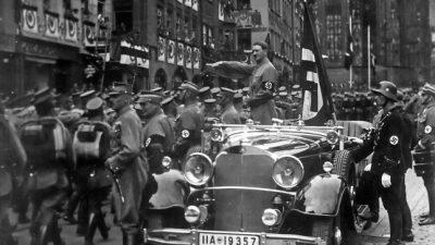 Jeder sechste Deutsche fühlt sich bei Nationalhymne an Nazis erinnert