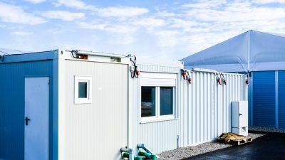 Berlin: Übernachtungskosten in Migrantenunterkunft so hoch wie im Luxushotel