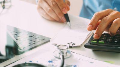 2,8 Milliarden Euro müssen Krankenhäuser wegen fehlerhafter Abrechnungen an Kassen zurückzahlen