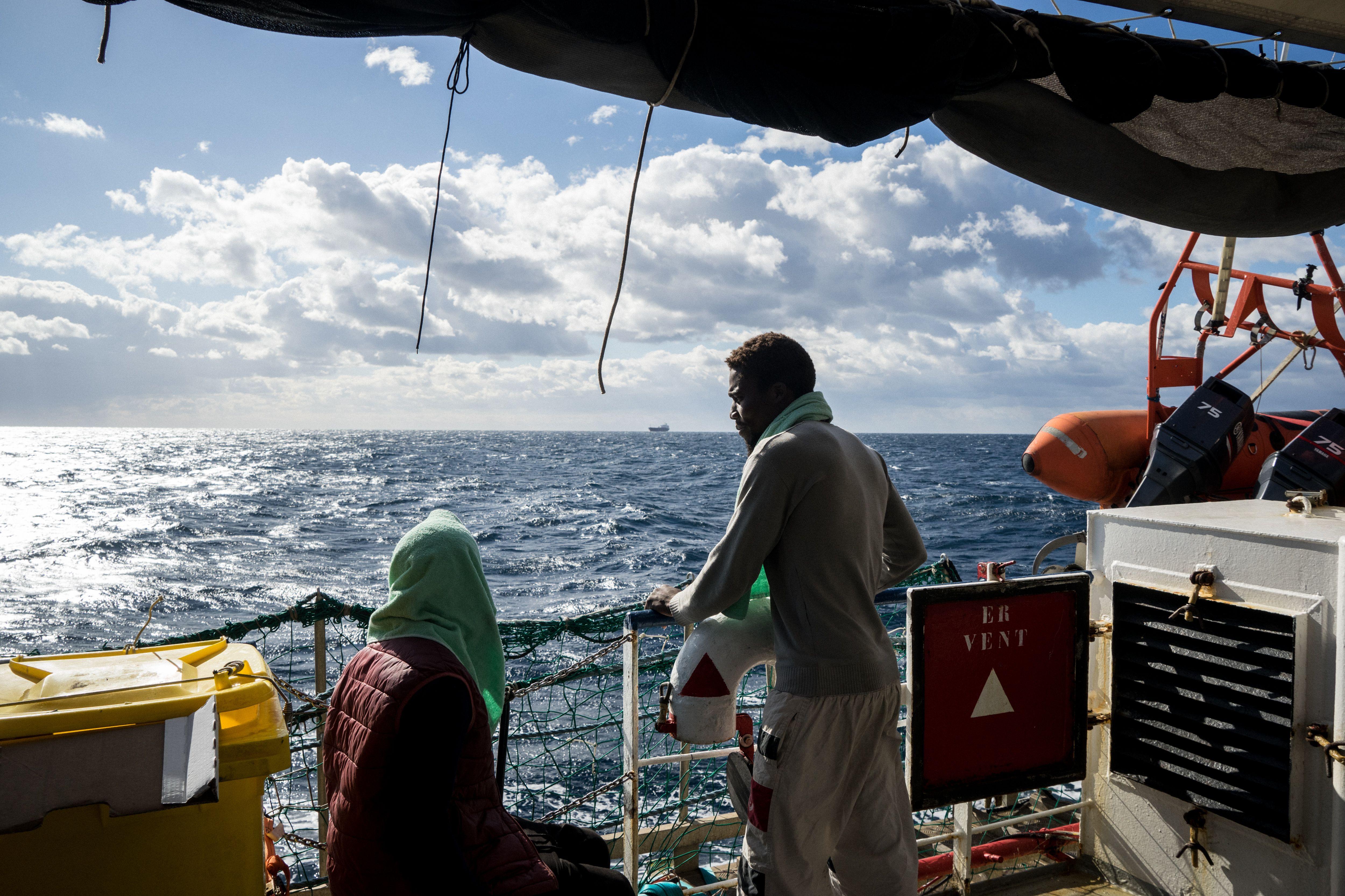 """Von Kapitänin Carola Rackete befördert: Migranten der """"Sea-Watch 3"""" zu 20 Jahren Haft verurteilt"""