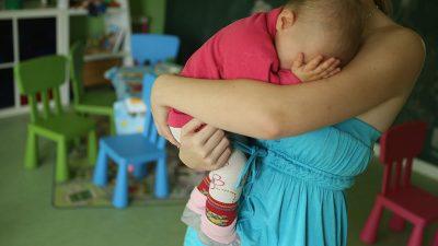 Tabu-Thema: Alleinerziehende Mütter und ihre Problemkinder